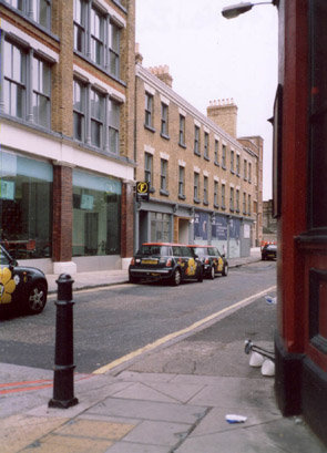 01-new-inn-yard-mini.jpg